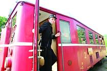 OŽIJE KOZÍ DRÁHA? Kozí dráha mezi Děčínem a Oldřichovem u Duchcova má naději, že opět ožije pravidelným vlakovým provozem. Zájem projevila Arriva.