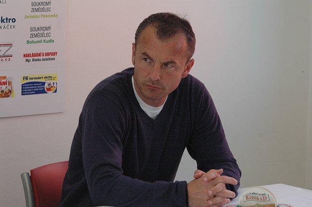 ZAČÁTEK. Trenér FK Varnsdorf, Zdenko Frťala, je na prahu letní přípravy před novou sezónou.