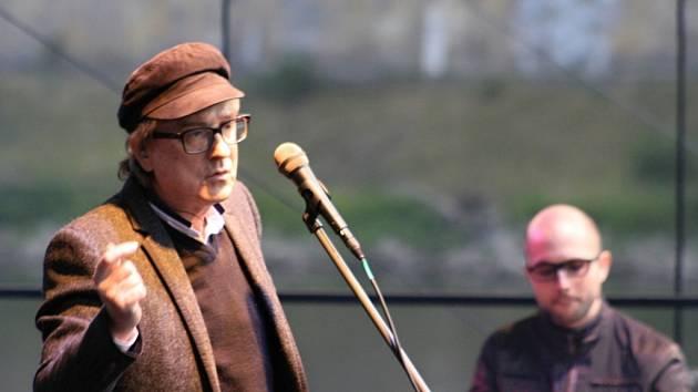 Miroslav Žbirka, Mandrage nebo Lipo přilákali pod děčínský zámek tisíce lidí.