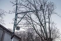 Vandalové poškodili radar na Studánce.