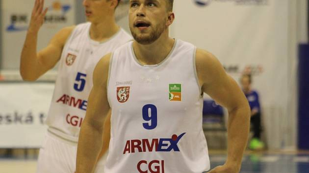 ONDŘEJ ŠIŠKA nasázel Olomoucku 21 bodů.