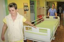 Neurologie dostala nové postele za čtvrt milionu.