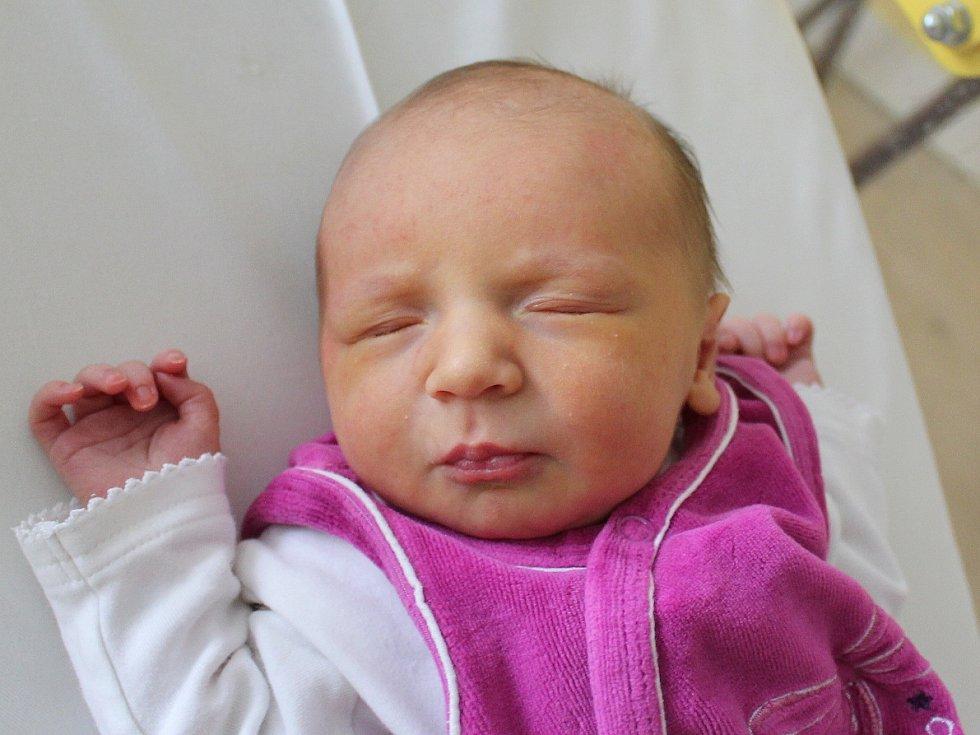 Jana Vašutová se narodila Janě a Ondřejovi Vašutovým z Varnsdorfu 17. října v 7.44. Měřila 46 cm a vážila 2,85 kg.