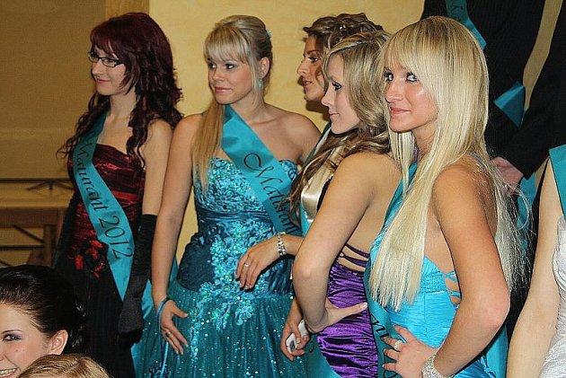Maturitní ples Gymnázia Děčín 20. ledna 2012.