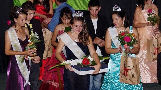 Krásné Romky si již po osmé daly dostaveníčko v Kulturním domě v Krásné Lípě, aby soutěžily o titul Miss Roma Krásné Lípy 2010.