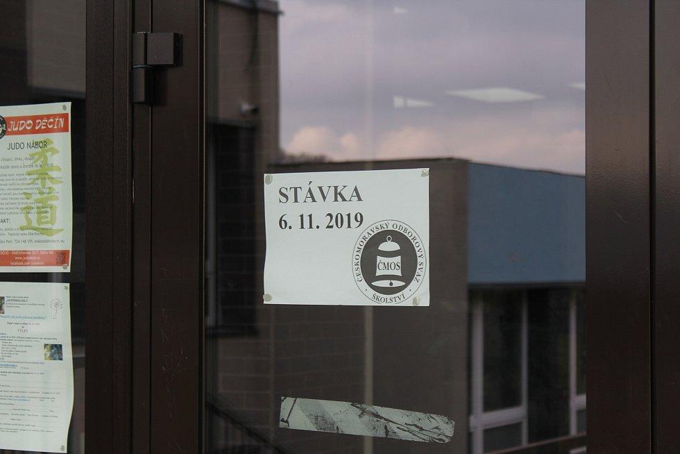 Stávka na Základní škole Na Pěšině v Bynově.