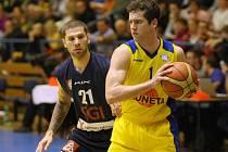 SEVERNÍ ČECHY SE třesou na basketbalové derby.