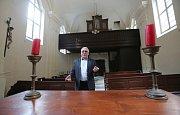 Získaný kostel se Hřensko pokusí více otevřít lidem. Obec tam plánuje různé kulturní události, například výstavy a koncerty.