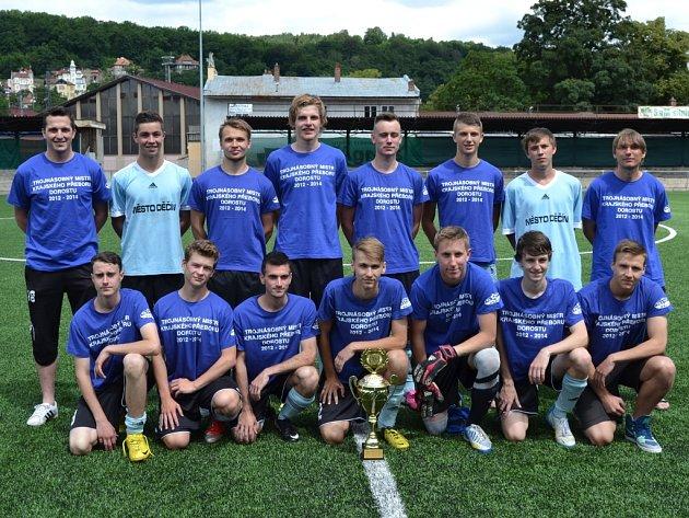 FK JUNIOR DĚČÍN U 19. Starší dorostenci Junioru letos opět vyhráli krajský přebor a navázali tak na své vítězství z let 2012 a 2013.