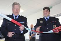 Nové policejní prostory v Děčíně v Kaštanově ulici byly otevřeny s malou oslavou.
