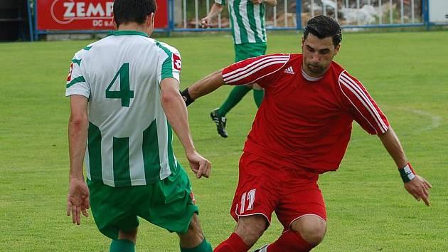 BŘEZINY (v červeném) porazily 2:0 Libouchec.