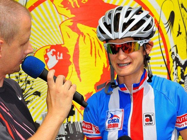 DOMINOVALA! Martina Sáblíková na mistrovství ČR a SR v silniční cyklistice vyhrála. Nyní se představí u Krásné Lípy.