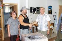 Rumburští baráčníci přivezli dary do Markvartic