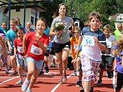 Slavnostní otevření atletického stadionu v Rumburku s účastí olympioničky Anežky Drahotové.