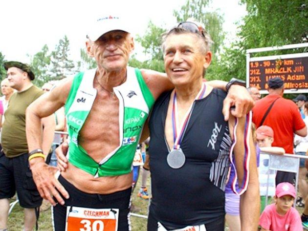 TOMÁŠ JIRÁŇ předvedl po 20 letech parádní návrat do triatlonového řádění. V Dolanech ve své kategorii jasně zvítězil.