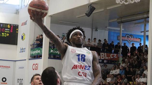 DOMÁCÍ ZÁPASY. Děčínští basketbalisté hrají třetí zápas proti Svitavám.