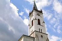 Opravená kostelní věž