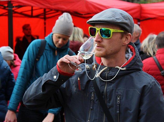 Svatomartinské víno dorazilo do Děčína.