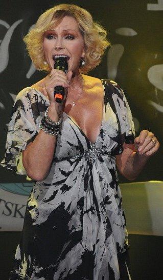 Benefiční koncert, který se konal v Kulturním domě v České Kamenici.
