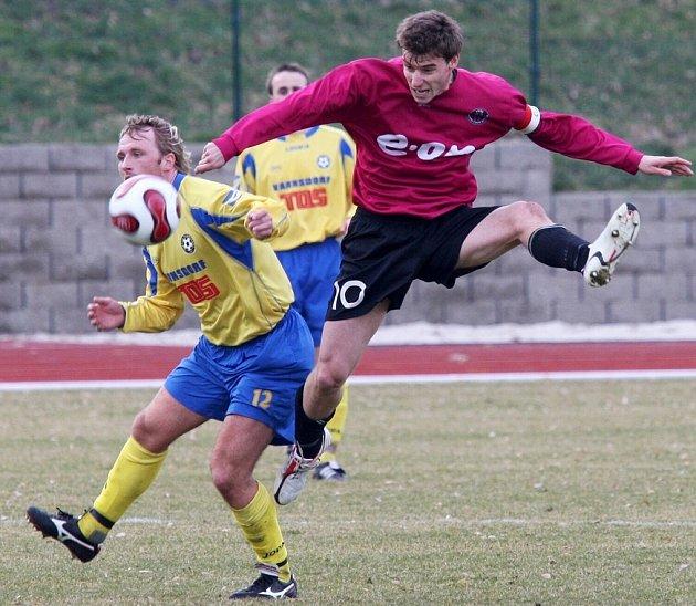 Čtyři týmy z děčínského regionu odstartují o víkendu mistrovskou soutěž. Slovan Varnsdorf jede do města pod Ještědem.