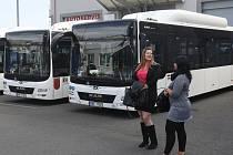 Autobusy na zemní plyn CNG.
