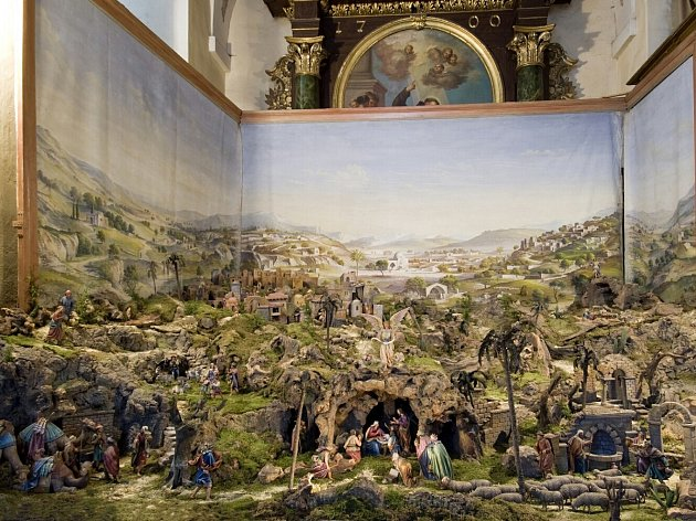 Klášterní betlém v kostele sv. Vavřince v Rumburku se staví už devadesát let.