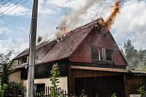 Požár opuštěného domu na Horním nábřeží ve Varnsdorfu.