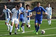 PŘÁTELSKY. Fotbalisté Varnsdorfu (v modrém) porazili juniorku Liberce 6:1.