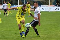 VELKÁ ŠKODA. Fotbalisté Varnsdorfu (ve žlutém) po dobrém výkonu prohráli se Zlínem 1:2.