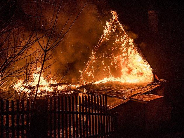 Požár v Jiřetíně pod Jedlovou.