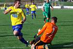 Stanislav Klobása v dresu Varnsdorfu v této situaci nevyzrál na brankáře Vlašimi, za tu v kariéře rovněž hrál.
