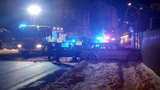 Dopravní nehoda na Teplické ulici.