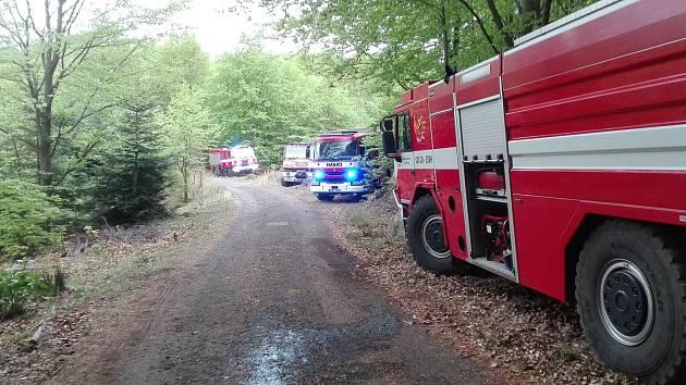 Požár lesa nad Bynovem.