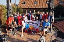 Zápas Slovensko - Česko - jeden z nejsilnějších momentů. Fanoušci objevili hotel, kde spali fotbalisté. A běželi se s nimi vyfotit.