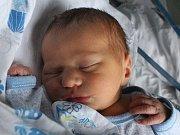 Oliver Pros se narodil Renatě Zvárové z Děčína 5. září v 9.50 v děčínské porodnici. Vážil 3,2 kg.