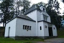 Hřbitovní kaple ve Šluknově.