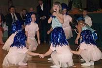 Skupinu ABBA Gold  založily děti z tanečního kroužku Mateřské školy Motýlek v Krásné Lípě s učitelkou Marcelou Širokou.