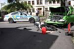 Při dopravní nehodě v Horním Podluží se vážně zranil motorkář.
