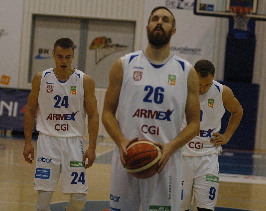 PARÁDA! Děčínští basketbalisté doma jasně porazili Prostějov.