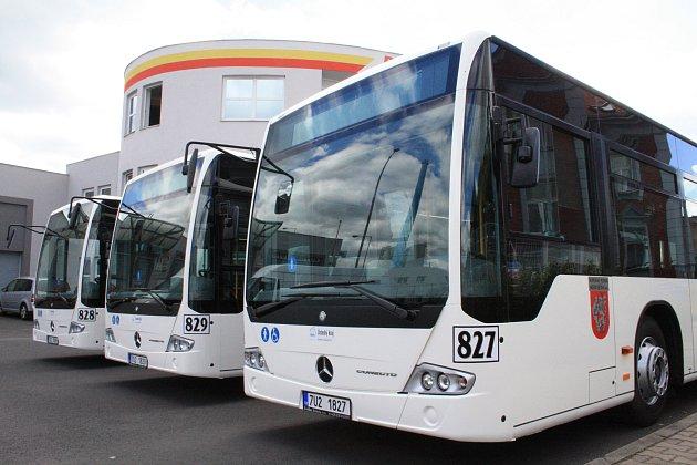 Nové autobusy.