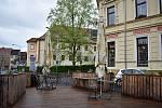 Kavárna Coffee and Books v Děčíně.
