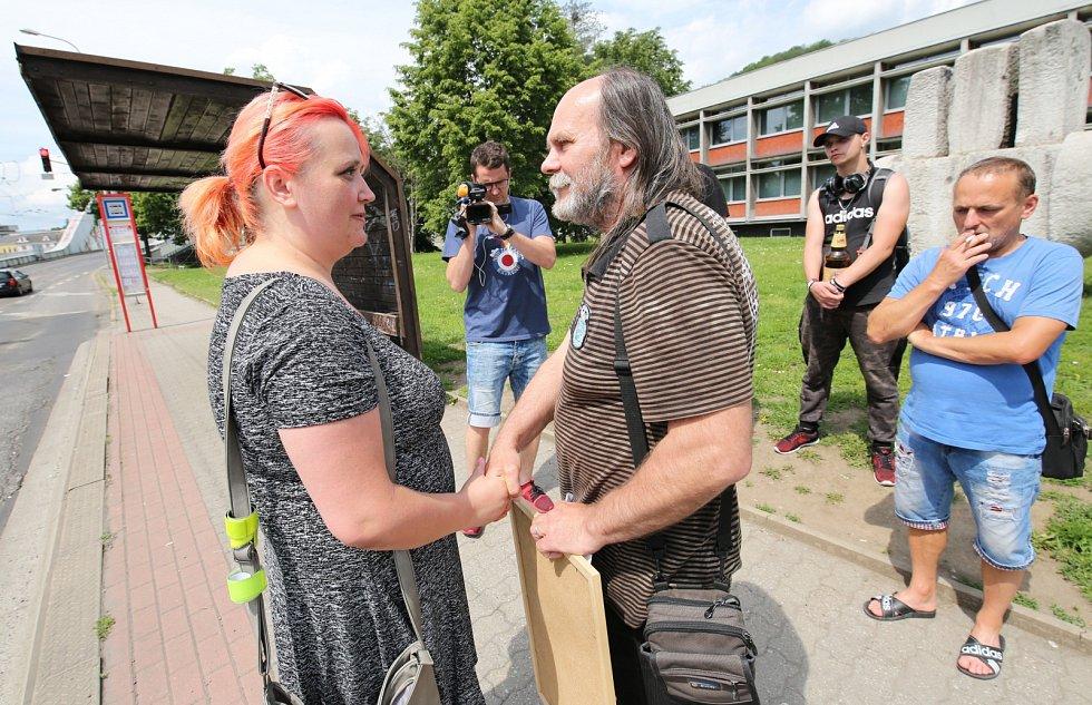 Otec zavražděného mladíka organizoval petici za obnovu procesu také v Ústí nad Labem
