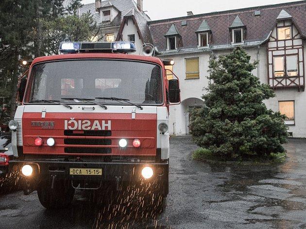 V rumburské nemocnici hořelo.