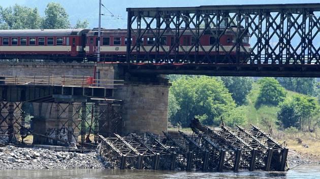 Železniční most.