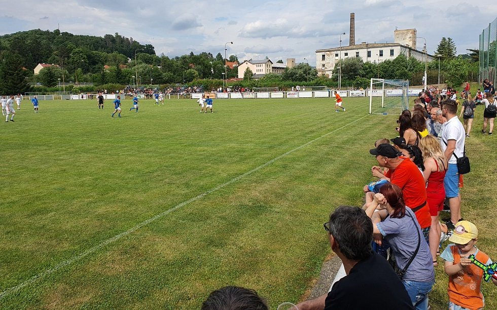 Fotbalový klub v Benešově nad Ploučnicí slavil stoleté výročí. Dorazil i Sigi Team.