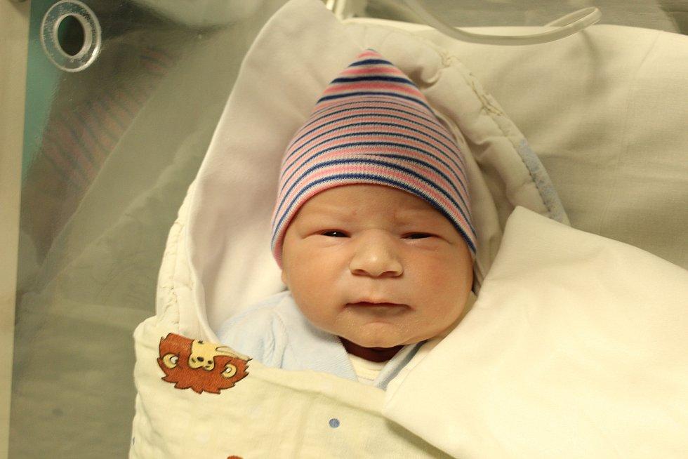 Mamince Anně Dankové z Varnsdorfu se v pátek 11. září v 5:59 hodin narodil syn David Danko. Měřil 51 cm a vážil 3,82 kg.