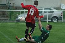 DERBY. Heřmanov (v zeleném) porazil Mikulášovice 2:0.
