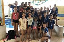 Děčínští plavci vybojovali na domácích závodech hned 19 medailí.