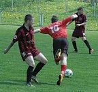 PARÁDA! Union Děčín (pruhované dresy) doma porazil Soběchleby 4:0.