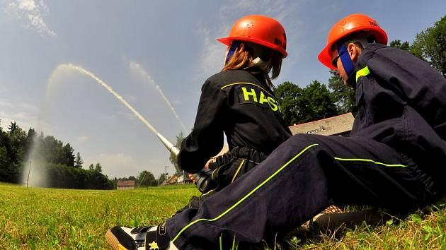 Devět hasičských sborů si dalo dostaveníčko ve Vilémově na Děčínsku.
